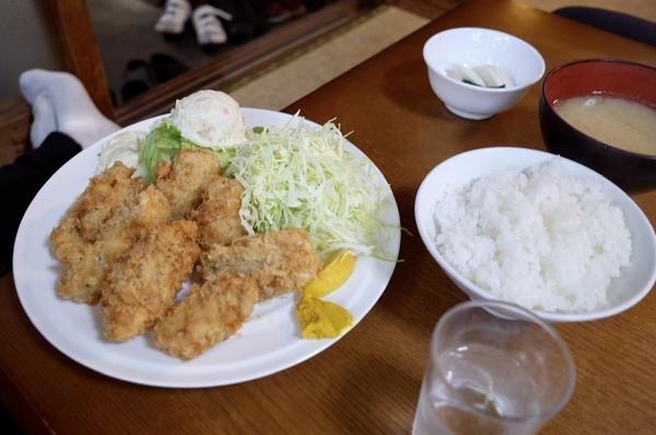 カキフライ定食(1500円)
