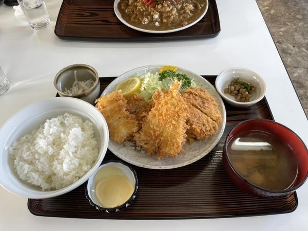 ミックスフライ定食(950円)