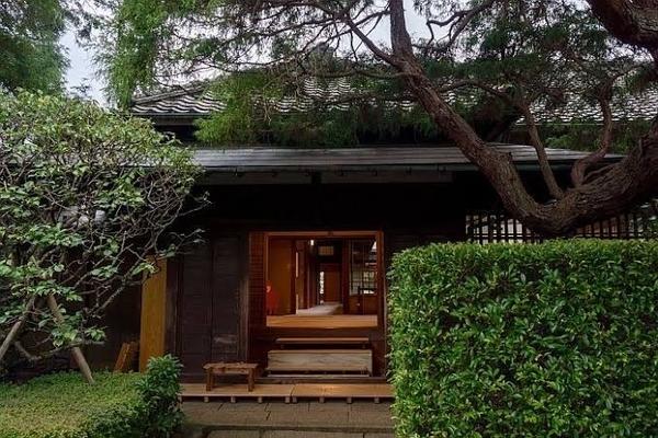 拾い物の旧岩崎家末廣別邸写真2