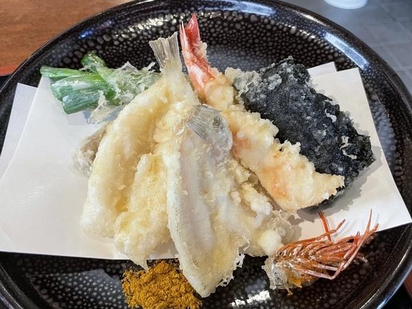 天ぷらの皿