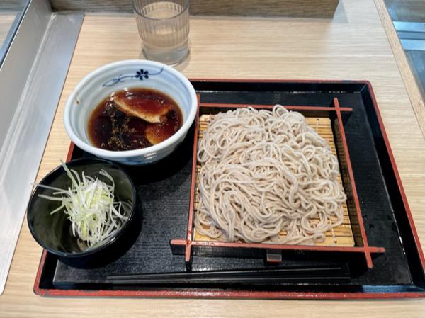 鴨せいろ(540円)+麺大盛り(130円)