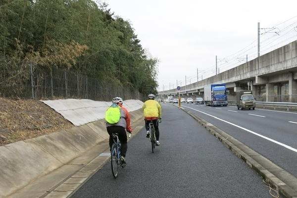 国道464号を成田方面へ