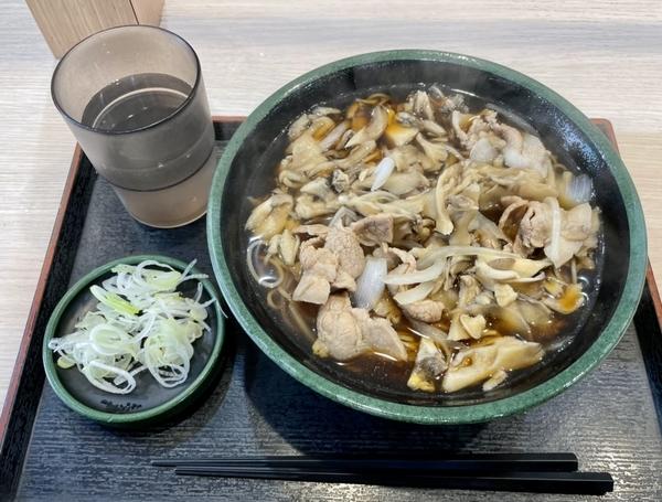 肉舞茸そば(580円)