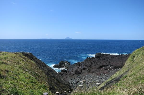 他の伊豆諸島を望む