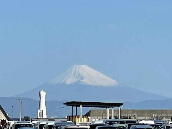 岡田港から見えた富士山