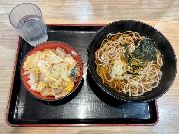 ミニ炭火親子丼セット【かけそば】(500円)