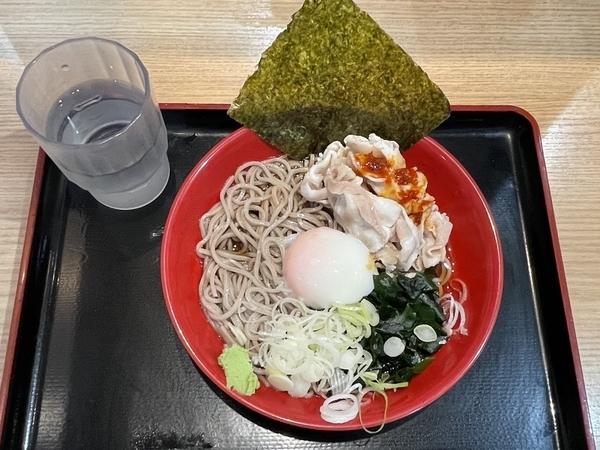 冷し肉富士そば(530円)