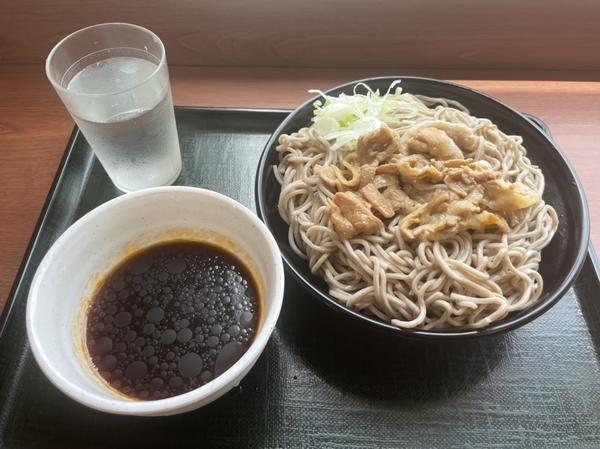 豚肉つけそば(510円)+麺大盛り(110円)