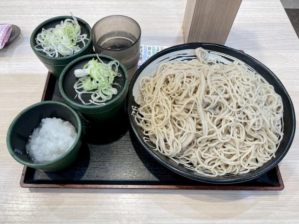 特もり【3倍】(680円)+鬼おろし(100円)