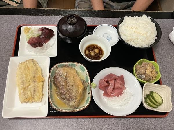 おまかせ定食【4品セット】(650円)