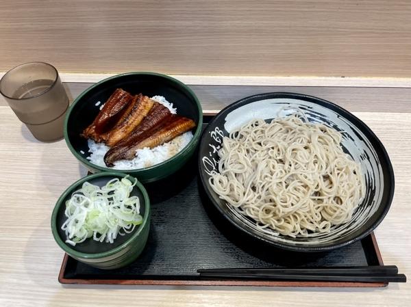 満腹うな丼セット【冷そば】(1330円)