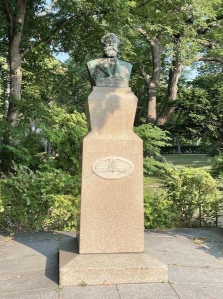 北海道大学内のクラーク像