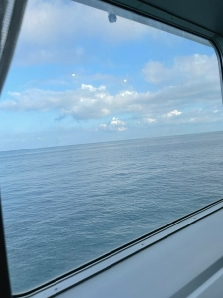 窓から見えた太平洋