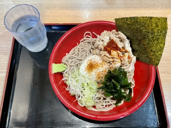 冷し肉富士そば(530円)+大盛(110円)