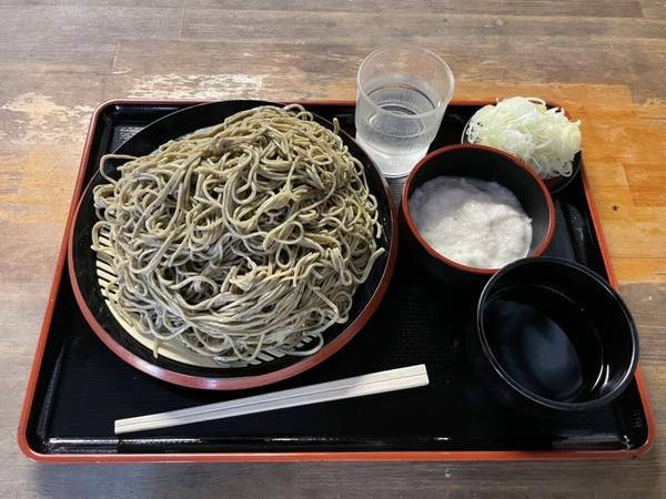 黒胡麻ダッタン蕎麦【大盛500g】(750円)+とろろ(100円)+鯖出汁変更(0円)