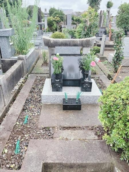 母方の祖父母・叔父の墓