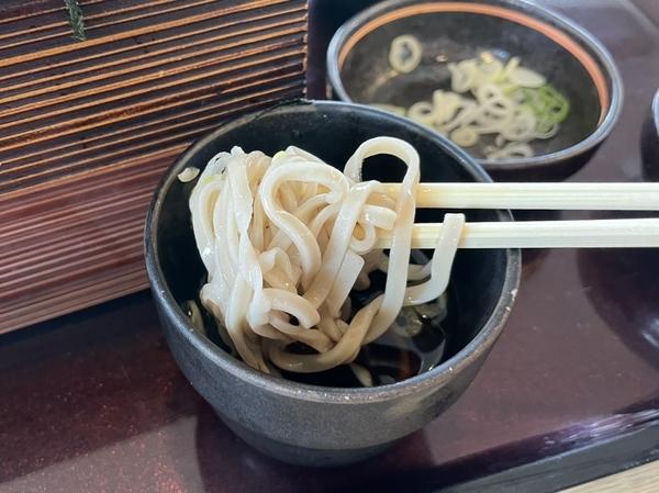 北海道蕎麦を手繰る