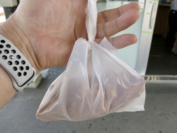 お土産の唐揚2ヶ(160円×2)