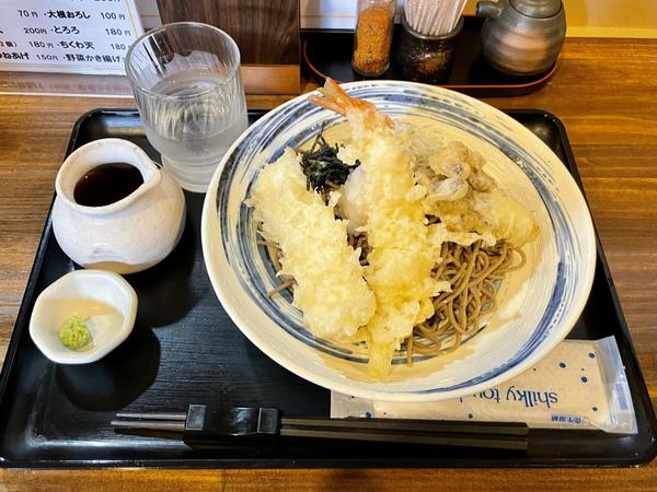 大海老とイカ天のおろしそば(1000円)