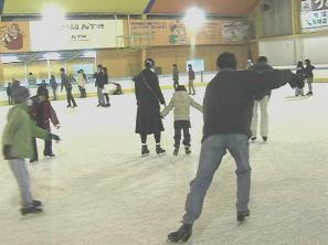 某スケート場