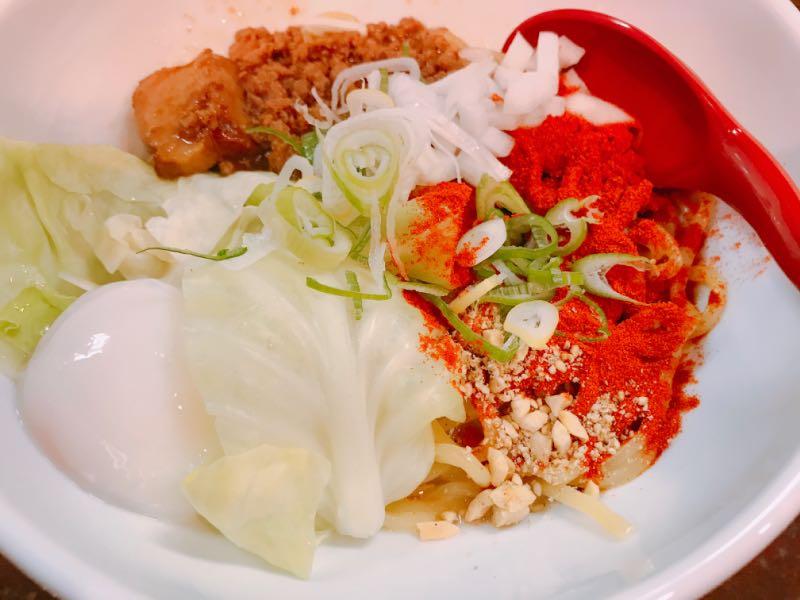 汁なし担タン麺+温玉