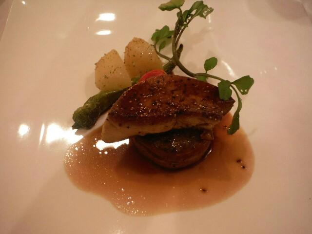 肉料理 牛ひれ肉とフォアグラのロースト マデラソース