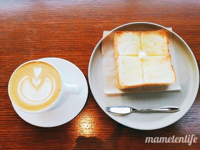 タイボウコーヒージェラートソフトのバタートーストとカフェラテ