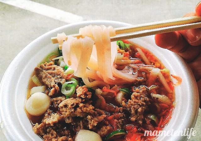 まき夏祭りのタイラーメンの麺リフト