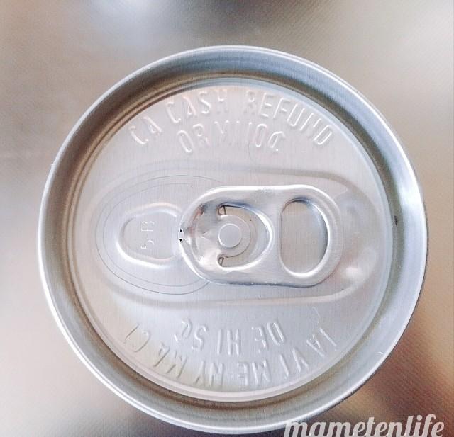 タピオカミルクティー缶(台湾洪大媽珍珠奶茶飲料)を上から見た