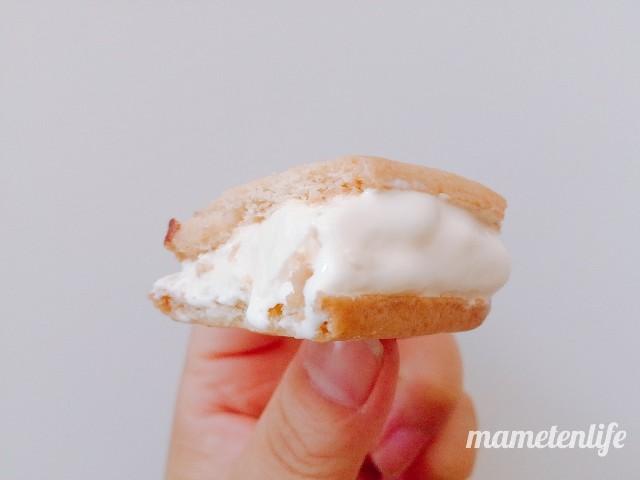 ロッテガーナ&チョコクッキーサンドのクッキーサンドのアップ