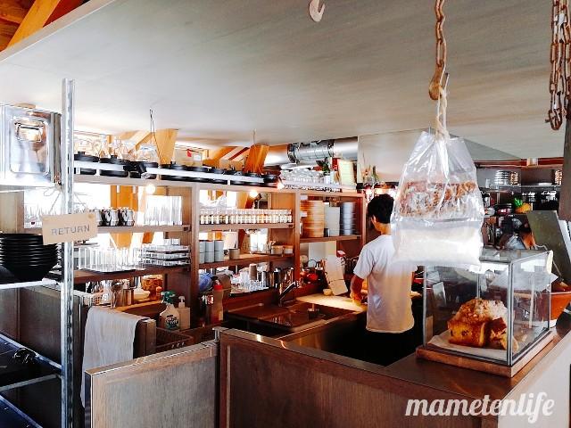 三条市スパイス研究所のキッチンカウンター