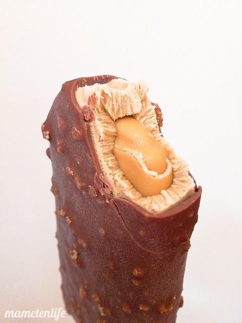 森永乳業チェリオトリプルキャラメル味を一口食べたところ