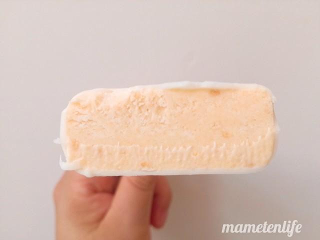 ファミリーマートフローズンスイーツチーズケーキの断面