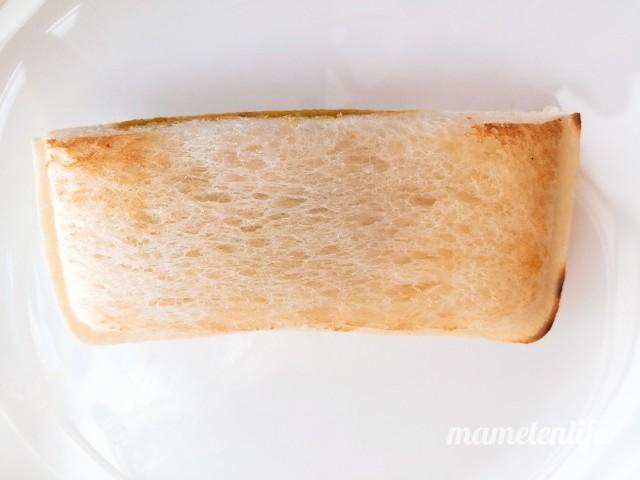 山崎製パンランチパック万代バスセンターのカレー風味を焼いてお皿にのせたところところ