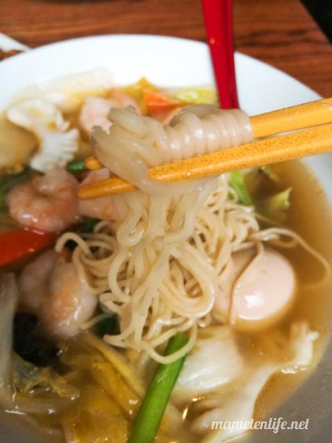 麺屋Aishin愛心の海鮮エビそばの麺
