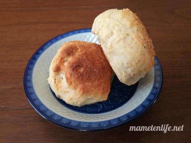 発酵なしヨーグルトパンが焼きあがったところ