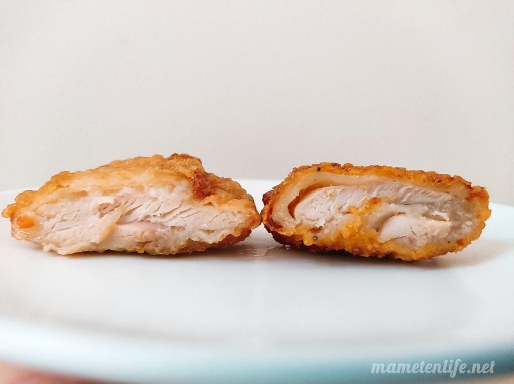 セブンイレブンの揚げ鶏とななチキの断面