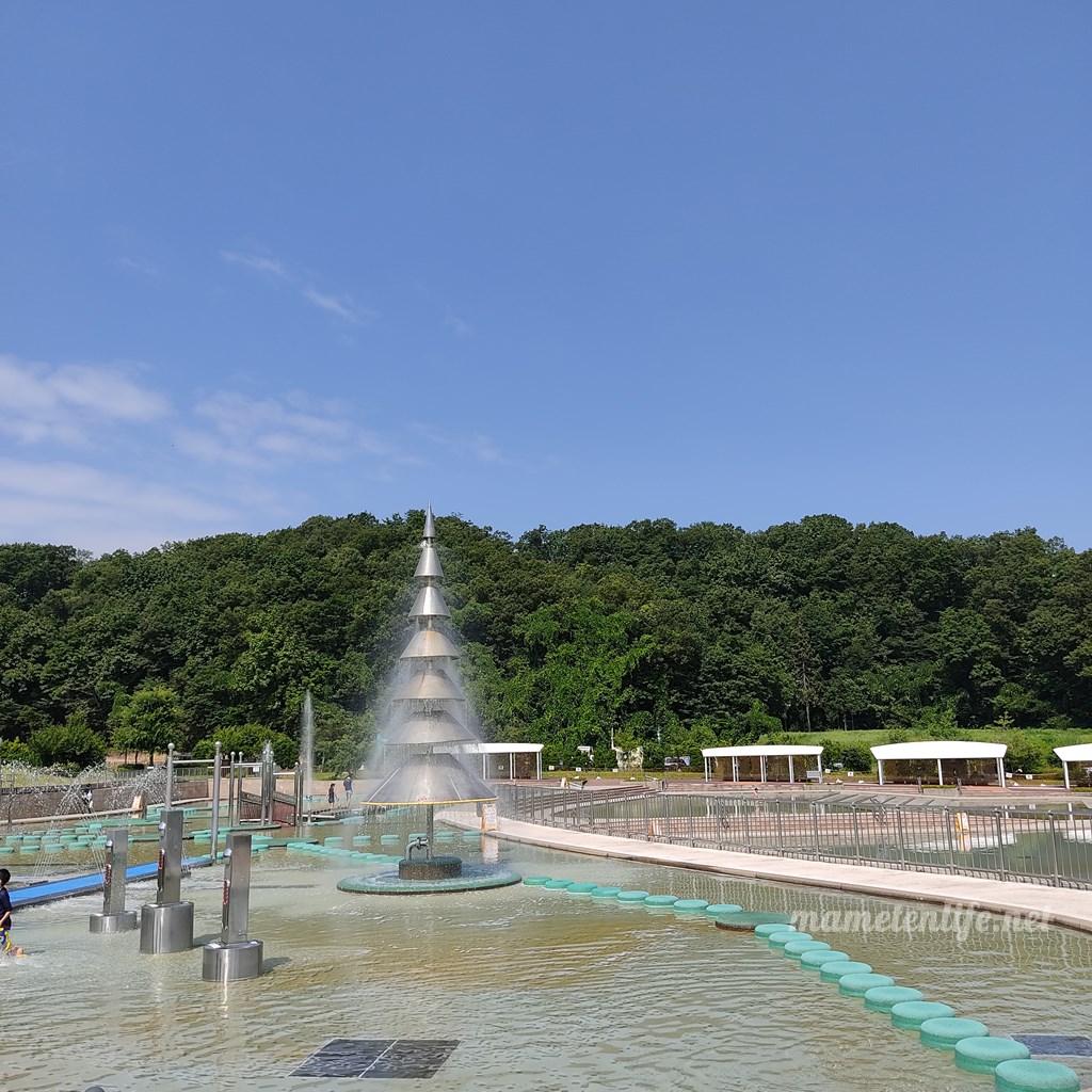 長岡丘陵公園の水遊び広場の噴水コーナー