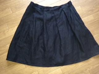黒のリネンスカート画像