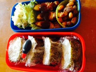 自家製すし酢で作ったツナマヨ巻き寿司とチキンカツのお弁当画像