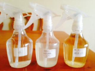 ナチュラル洗剤を入れた100均セリア スプレーボトル画像