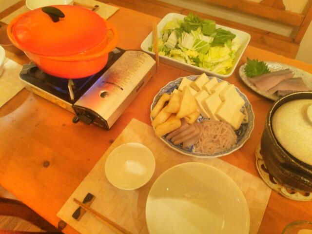 高野豆腐入りのお鍋食卓画像