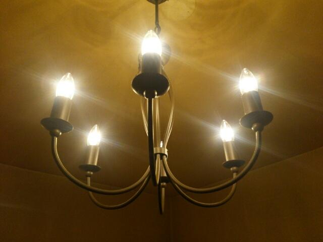 LEDにかえたシャンデリア