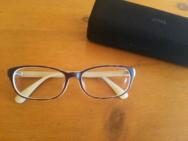 JINSの眼鏡画像