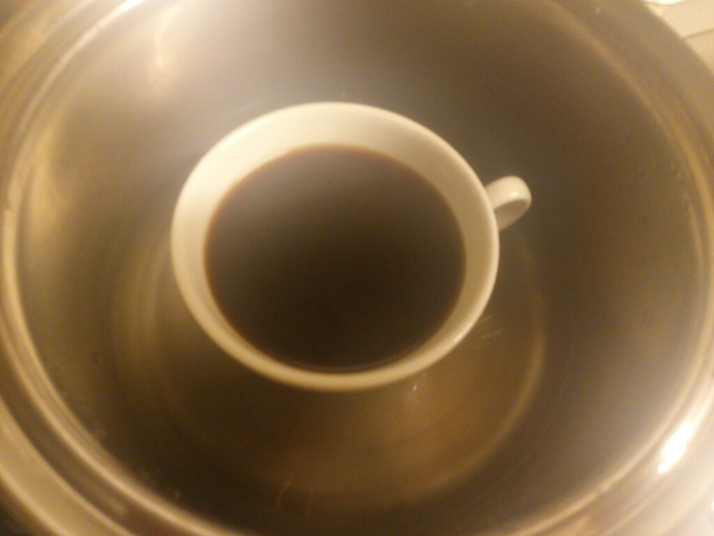 湯煎で温めているコーヒー画像
