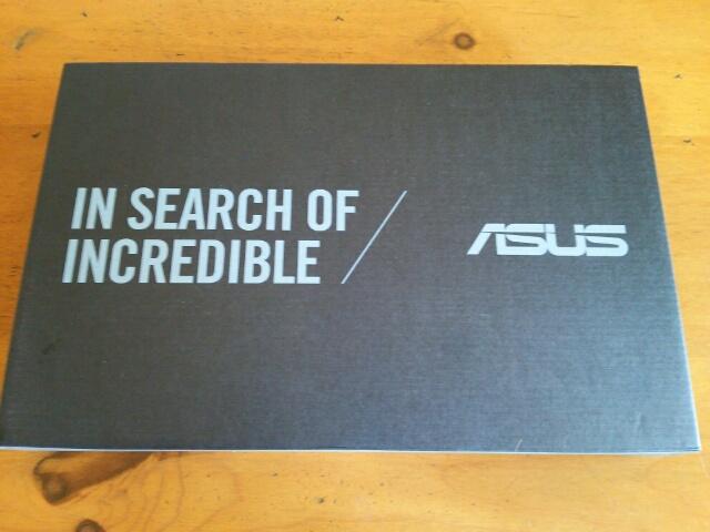 箱入り ASUS ノートパソコン EeeBookX205TA画像