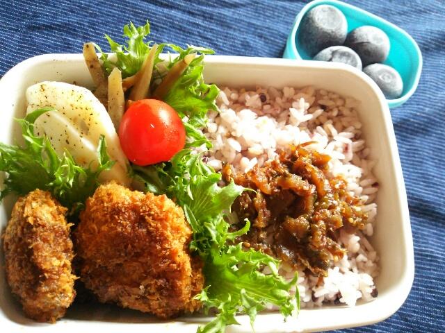 雑穀米と一口カツ弁当画像