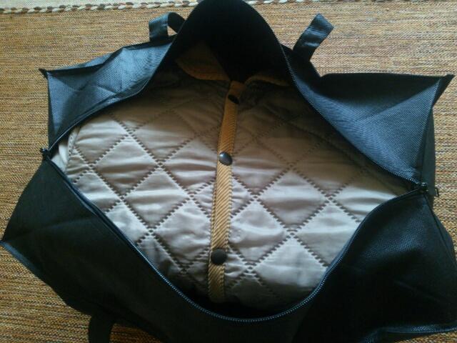 不用品の洋服やバッグを詰め込んだフクウロ宅配キット バッグ画像