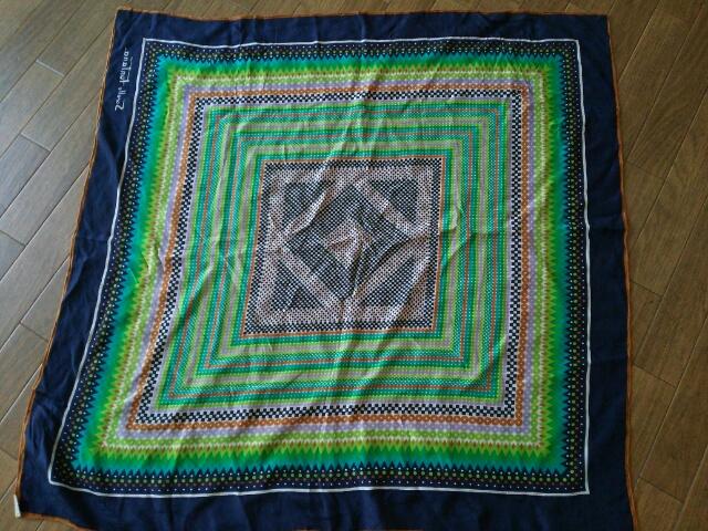 祖母の形見のスカーフ