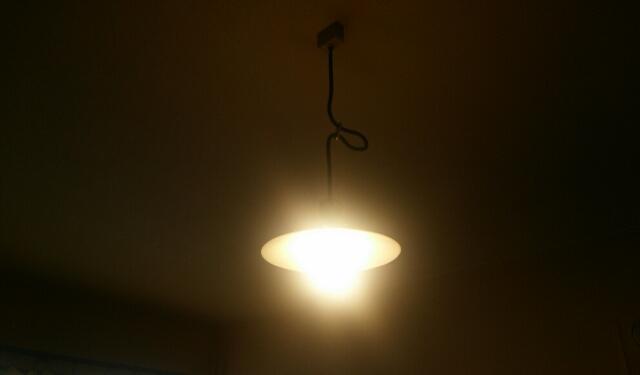 ガラスのランプシェード~寝室の照明
